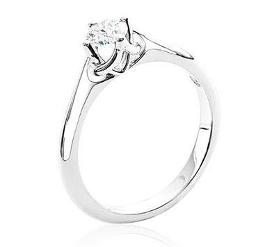 anillo de compromiso Joyería Biendicho