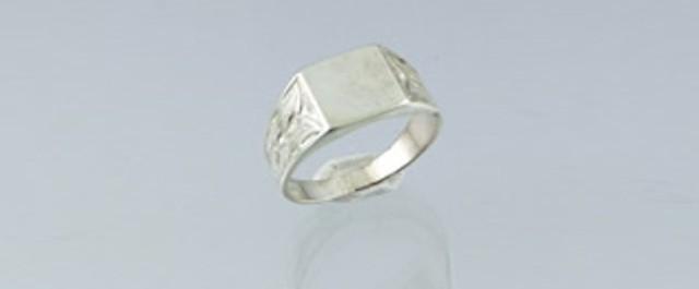 Consejos para limpiar tus anillos de plata